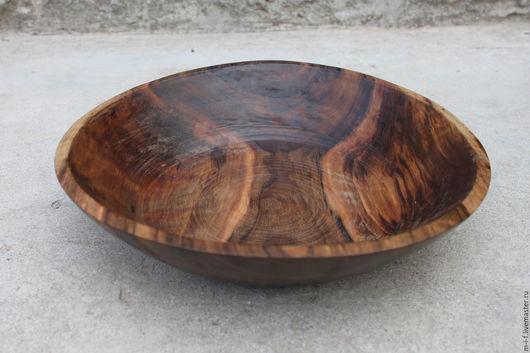 Тарелки ручной работы. Ярмарка Мастеров - ручная работа. Купить Деревянная тарелка-блюдо из грецкого ореха большого диаметра. (32х7).. Handmade.