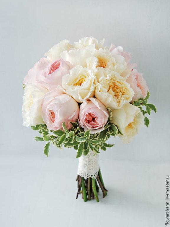 Букет невесты из роз и пионовидных роз