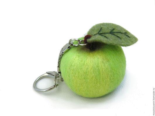 Брелоки ручной работы. Ярмарка Мастеров - ручная работа. Купить Брелок для ключей, сумки, телефона Яблоко из шерсти. Handmade.