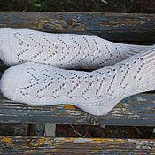 Аксессуары ручной работы. Ярмарка Мастеров - ручная работа Носочки Vectors белые удлиненные. Handmade.
