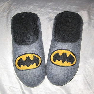 """Обувь ручной работы. Ярмарка Мастеров - ручная работа Тапки мужские валяные """"Бэтмен"""". Handmade."""