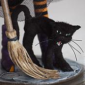 Куклы и игрушки ручной работы. Ярмарка Мастеров - ручная работа Ведьмочка и её чёрный кот. Handmade.