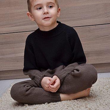 Одежда ручной работы. Ярмарка Мастеров - ручная работа Детский вязаный спортивный костюм джемпер и штаны. Handmade.