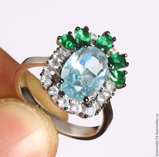 кольцо из серебра 925 пробы с разноцветными камнями