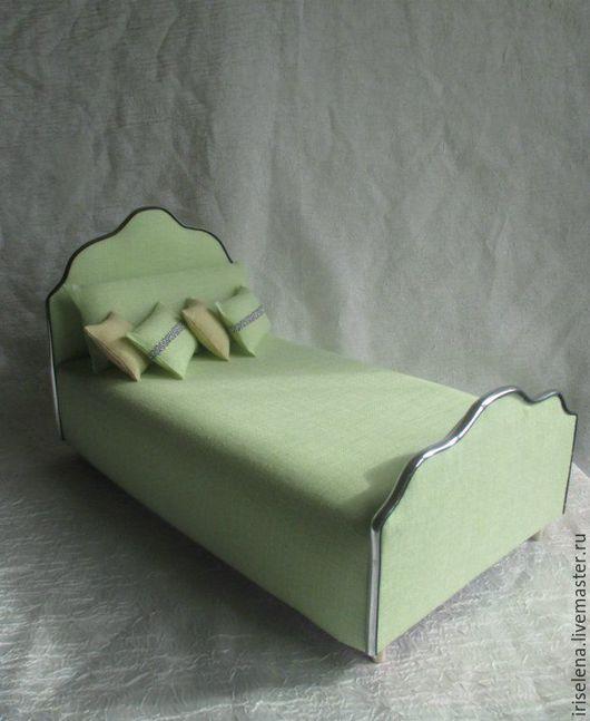 """Кукольный дом ручной работы. Ярмарка Мастеров - ручная работа. Купить Кровать """" Мятный Лен""""  Для кукол до 33 см. Handmade."""