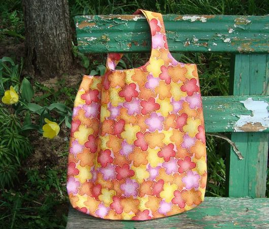 Сумки и аксессуары ручной работы. Ярмарка Мастеров - ручная работа. Купить Летняя сумка из ткани, нужный подарок девушке женщине. Handmade.