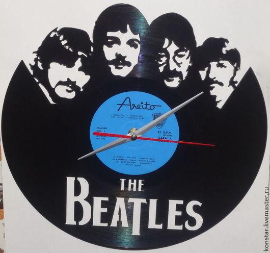 """Часы для дома ручной работы. Ярмарка Мастеров - ручная работа. Купить Настенные часы из пластинки """"The Beatles"""". Handmade. Черный"""