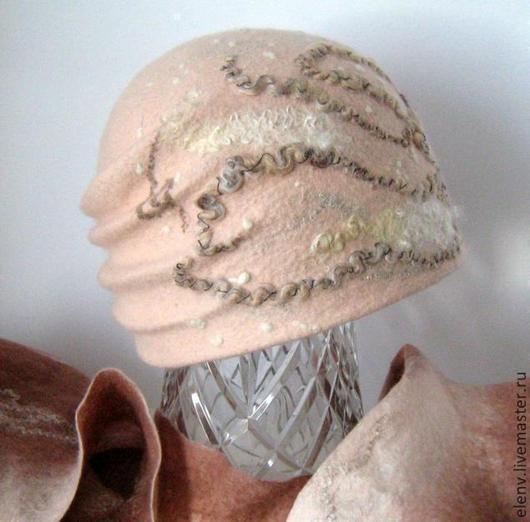 Шапки ручной работы. Ярмарка Мастеров - ручная работа. Купить Шапочка валяная Тирамису. Handmade. Бежевый, шапка валяная