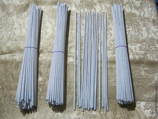 Трубочки белые для плетения из офисной бумаги.