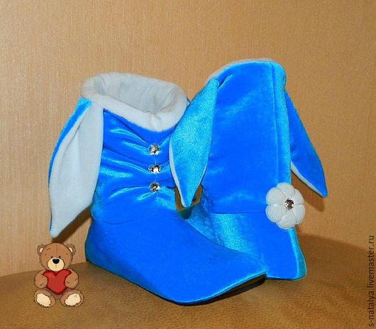 Обувь ручной работы. Ярмарка Мастеров - ручная работа. Купить Тапочки зайчики из бархата. Handmade. Голубой, флис, Тапочки зайчики