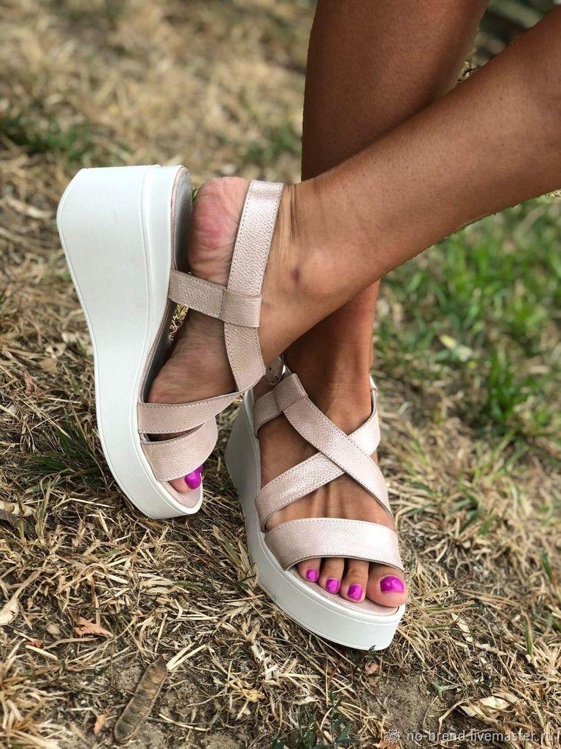 Обувь ручной работы. Ярмарка Мастеров - ручная работа. Купить Бежевые босоножки женские из натуральной кожи. Handmade.