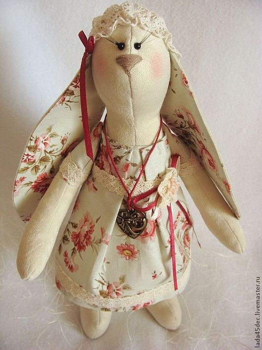 Куклы Тильды ручной работы. Ярмарка Мастеров - ручная работа. Купить Зая Рада. Handmade. Текстильная кукла, платье -шелк