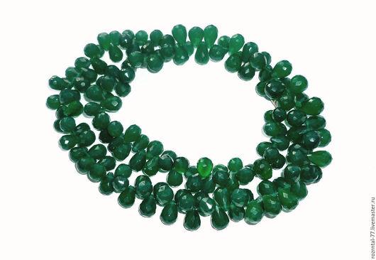Хризопраз натуральный изумрудно-зелёный, однородный, бриолет ручная огранка. Высший сорт. размеры высота от 8 мм до 12 мм ширина от 6.5 до 8 мм