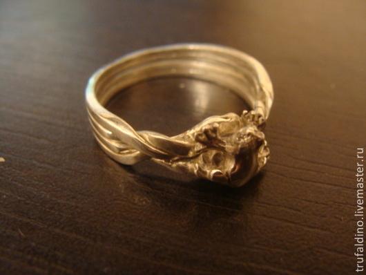 Кольца ручной работы. Ярмарка Мастеров - ручная работа. Купить перстень Царевны лягушки. Handmade. Серебряный, подарок