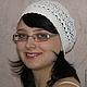 Летняя шапочка-берет-бандана. Белая ажурная летняя шапочка-берет вязаная крючком. Хлопковая белая летняя шапочка-берет. Женская летняя шапочка-берет.