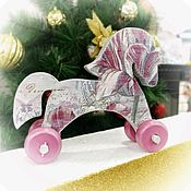 Мягкие игрушки ручной работы. Ярмарка Мастеров - ручная работа Игрушка деревянная на колесиках Лошадка. Handmade.