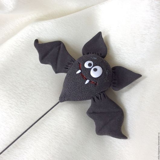 """Подарки на Хэллоуин ручной работы. Ярмарка Мастеров - ручная работа. Купить Декор на Хеллоуин """" Летучая мышь """". Handmade."""