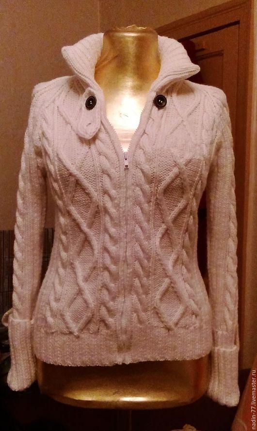 Верхняя одежда ручной работы. Ярмарка Мастеров - ручная работа. Купить женская вязаная куртка на молнии. Handmade. Белый, молния
