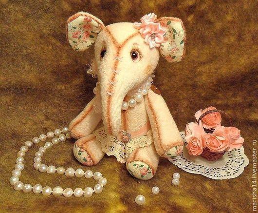 Игрушки животные, ручной работы. Ярмарка Мастеров - ручная работа. Купить Винтажный слоник Розалия. Handmade. Слоник, слон текстильный