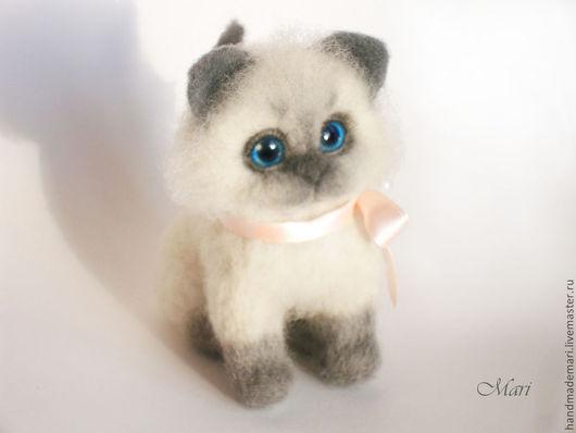 Игрушки животные, ручной работы. Ярмарка Мастеров - ручная работа. Купить Котёнок мелкий) игрушка из войлока. Handmade. Серый, подарок