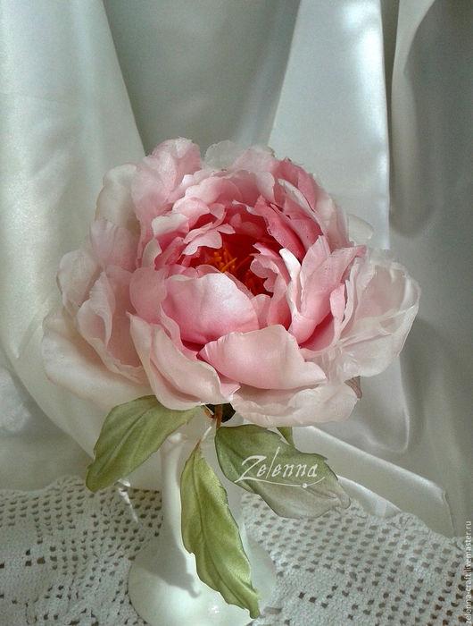 """Броши ручной работы. Ярмарка Мастеров - ручная работа. Купить Пион из шелка """"Глория"""". Цветы из шелка. Цветы из ткани. Handmade."""