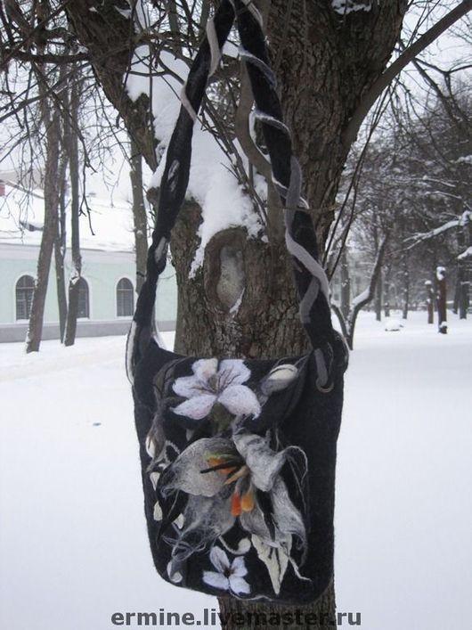 """Женские сумки ручной работы. Ярмарка Мастеров - ручная работа. Купить сумка """"Цветы на снегу"""". Handmade. Сумка, сумочка"""