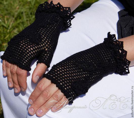 Варежки, митенки, перчатки ручной работы. Ярмарка Мастеров - ручная работа. Купить Ажурные винтажные черные митенки с розой. Handmade.