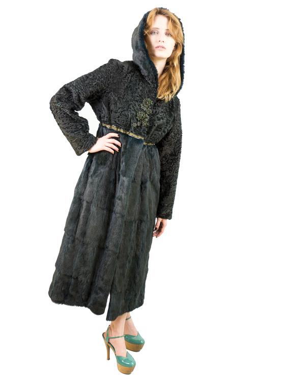 """Купить Шуба""""Меховое пальто каркуль-ласка изумруд"""" - коричневый, шуба из каракуля, шуба комбинированная"""