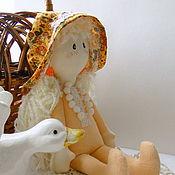 Куклы и игрушки ручной работы. Ярмарка Мастеров - ручная работа Фланелевая текстильная кукла в кроватку детям от Фланелька Оранжевая. Handmade.