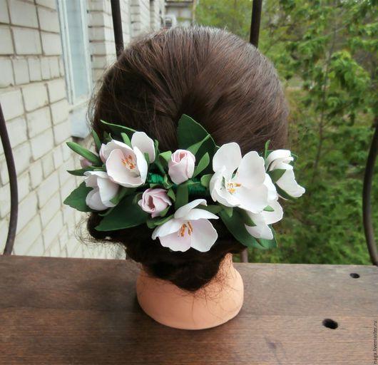 """Заколки ручной работы. Ярмарка Мастеров - ручная работа. Купить Гребень ручной работы для волос """"Веточка цветущей яблони"""". Handmade."""