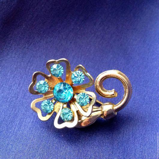 Винтажные украшения. Ярмарка Мастеров - ручная работа. Купить Брошь CORO цветок с голубыми стразами. Handmade. Брошь цветок