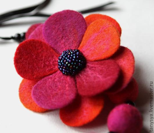 """Броши ручной работы. Ярмарка Мастеров - ручная работа. Купить Брошь """"Ягодное ассорти"""". Handmade. Ярко-красный, Красный цветок"""