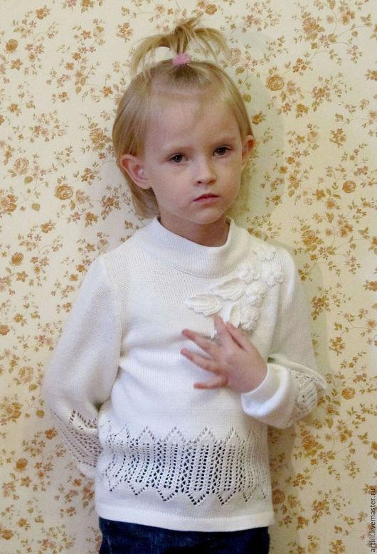 Одежда для девочек, ручной работы. Ярмарка Мастеров - ручная работа. Купить вязаная футболка для девочки Белоснежка. Handmade. Белый