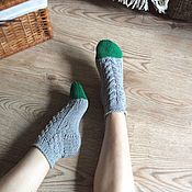 Аксессуары ручной работы. Ярмарка Мастеров - ручная работа Хлопковые носки с зелёными мысочками. Handmade.