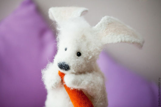 Кукольный театр ручной работы. Ярмарка Мастеров - ручная работа. Купить Перчаточная кукла- Заяц с морковкой. Handmade. Белый