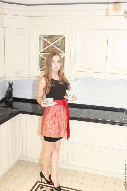"""Кухня ручной работы. Ярмарка Мастеров - ручная работа. Купить Фартук-юбочка """"Роскошь золота"""" на красном. Handmade. Ярко-красный"""