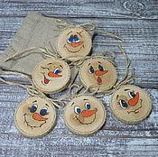 Подарки к праздникам ручной работы. Ярмарка Мастеров - ручная работа Елочные игрушки (спил березы). Handmade.