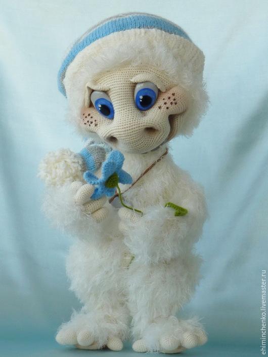 Человечки ручной работы. Ярмарка Мастеров - ручная работа. Купить Вязаная интерьерная кукла Йети. Handmade. Белый, обезьяна