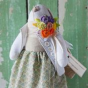 Куклы и игрушки ручной работы. Ярмарка Мастеров - ручная работа Зайцы. Зайка-доктор  в цветной юбочке.. Handmade.