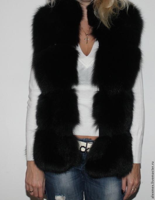 Меховой жилет из черного песца,русский мех,длина 60 см,на молнии или на крючках, на черной замше, жилет шьется по меркам,срок пошива 7-9 дней, длину изделия вы можете изменять