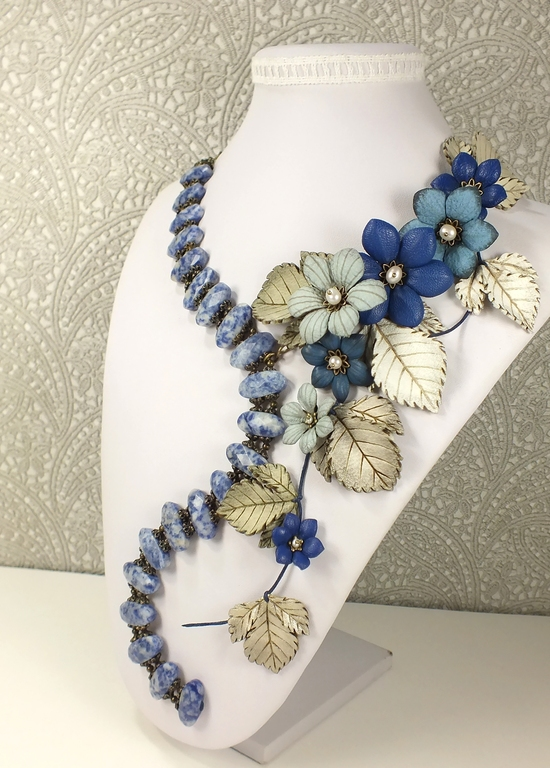 Valley Star Winds. Necklace made of lapis lazuli, flowers made of genuine leather, Jewelry Sets, St. Petersburg,  Фото №1
