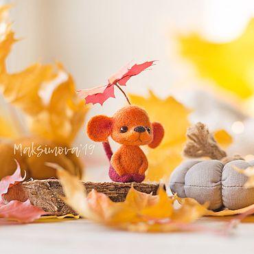 Куклы и игрушки ручной работы. Ярмарка Мастеров - ручная работа Полумышка «Листочек» 4,5см: Миниатюрная мышка. Handmade.