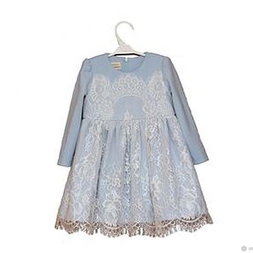 Работы для детей, ручной работы. Ярмарка Мастеров - ручная работа Голубое нарядное платье для девочки из джерси с кружевом Шантильи. Handmade.