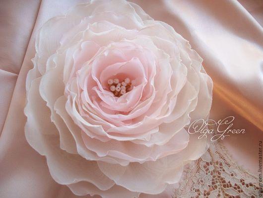 Броши ручной работы. Ярмарка Мастеров - ручная работа. Купить Брошь-цветок из ткани. Молочно-розовый. Handmade. Бледно-розовый