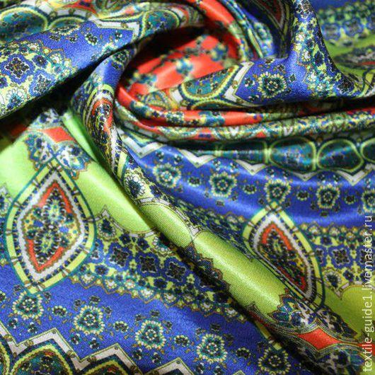 Плательная атласная ткань, состав шерсть 50%, шелк 48%, эластан 2%, ширина 140см, производитель Италия.