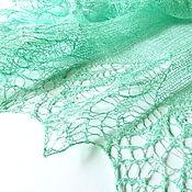 Аксессуары ручной работы. Ярмарка Мастеров - ручная работа Ажурная шаль льняная летняя Мятная Прохлада, вязаная шаль, зеленый. Handmade.