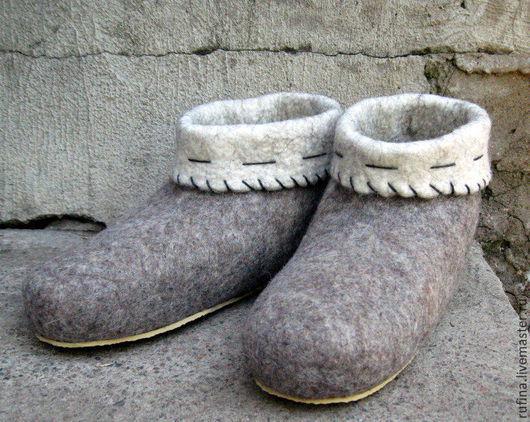 Обувь ручной работы. Ярмарка Мастеров - ручная работа. Купить Валяные чуни 40р. Handmade. Серый, тапочки женские