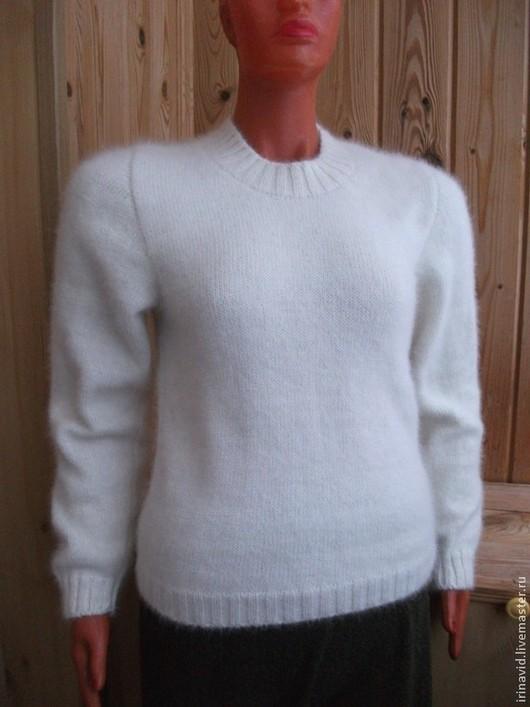 Кофты и свитера ручной работы. Ярмарка Мастеров - ручная работа. Купить Свитер из собачьей шерсти женский белый вязаный. Handmade.
