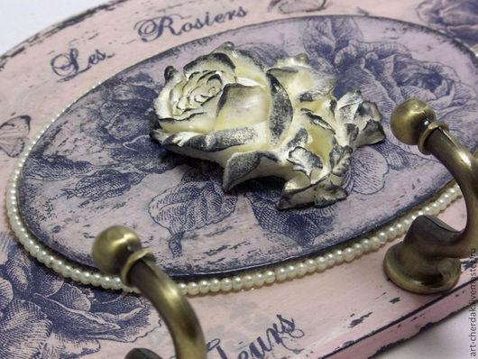 """Прихожая ручной работы. Ярмарка Мастеров - ручная работа. Купить Ключница """"Утро в саду"""". Handmade. Кремовый, синие розы"""