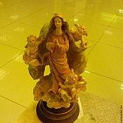 Дева Мария- резьба по дереву